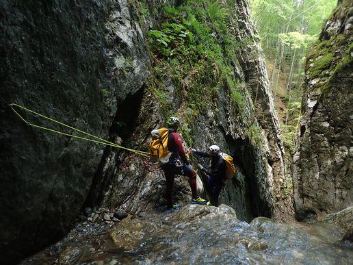 formacion en barranquismo pirineos pasamanos cassies canyontrekguara