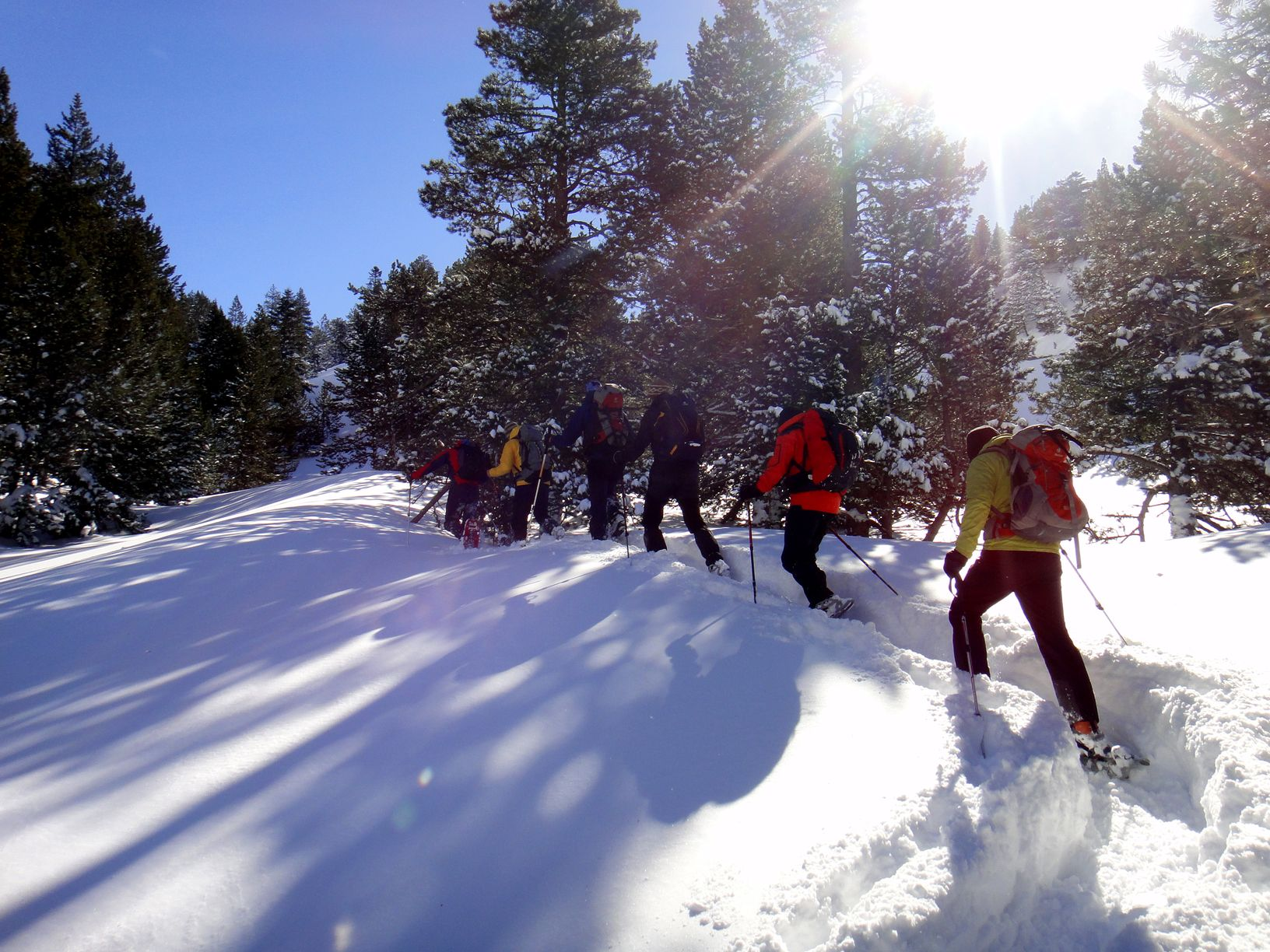 raquetas-de-nieve-canyontrek-pirineos-benasque-aigualluts (1).JPG