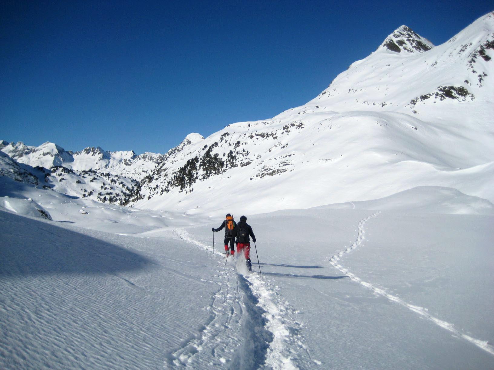raquetas-de-nieve-pirineos-canyontrekguara.jpg reducida