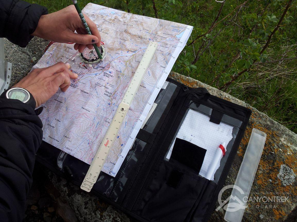 Utilización de brújula y mapa