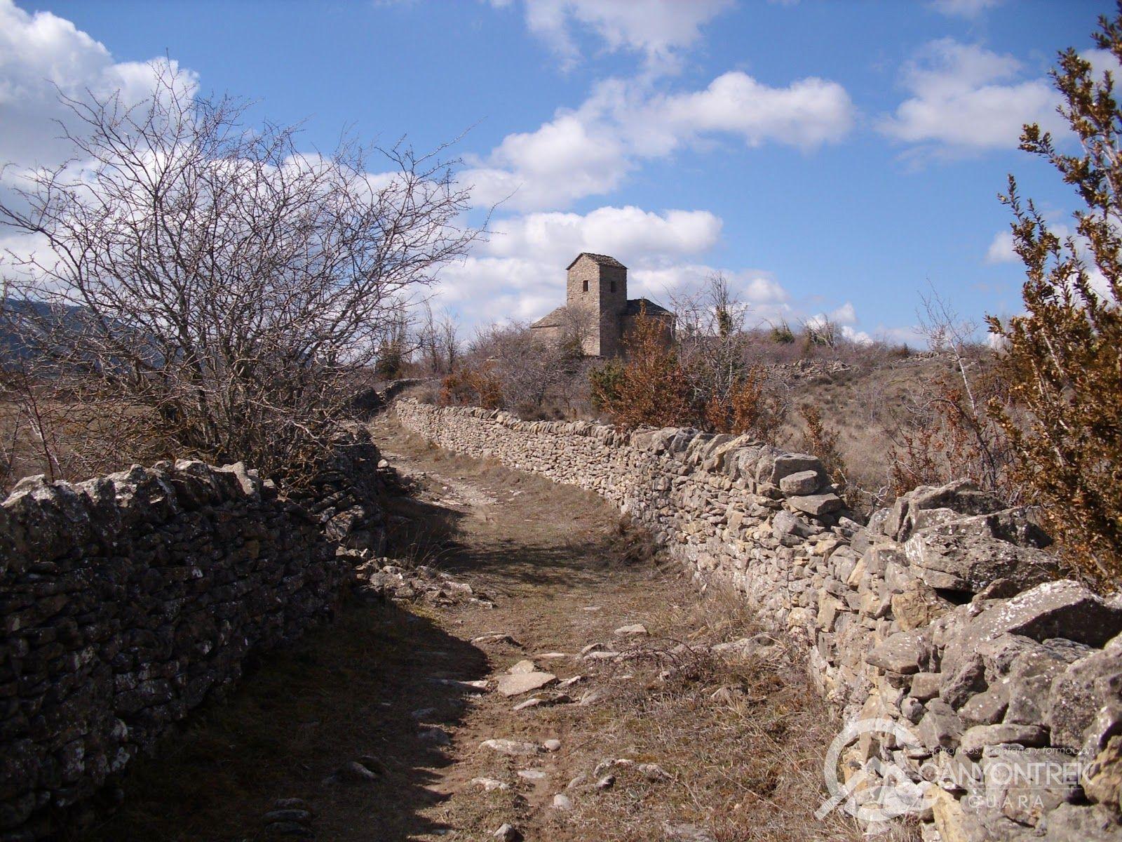 Senderismo por los pueblos abandonados de Nasarre